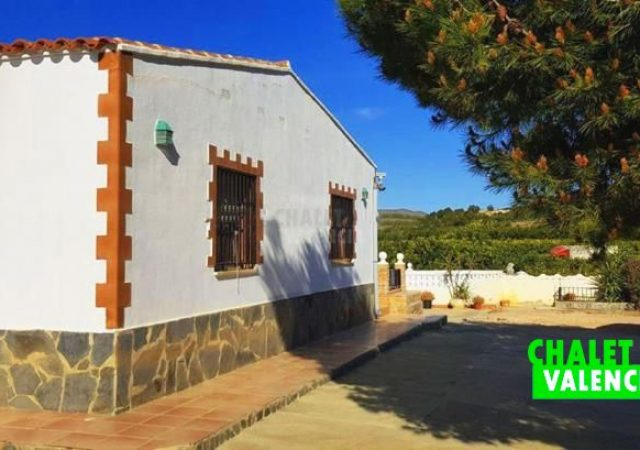 39940-fachada-chalet-pedralba-valencia