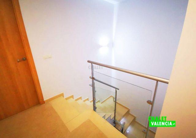 40451-escaleras-calicanto-chalet-valencia