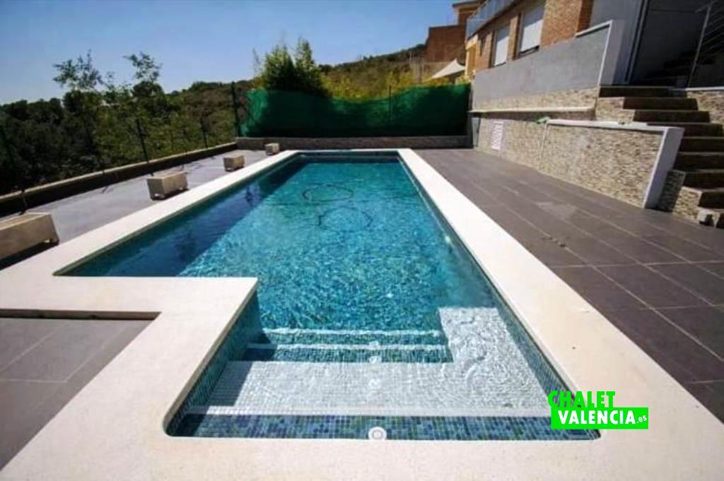 40451-piscina-escalones-chalet-valencia