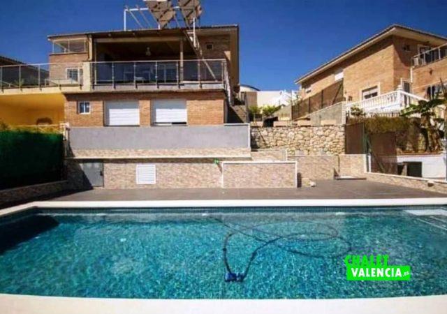 40451-piscina-solarium-chalet-valencia