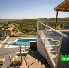 Semi detached house with pool in Calicanto