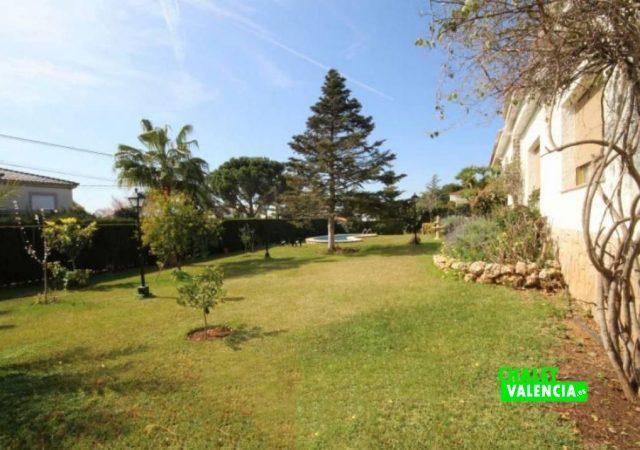 40526-jardin-10-chalet-valencia