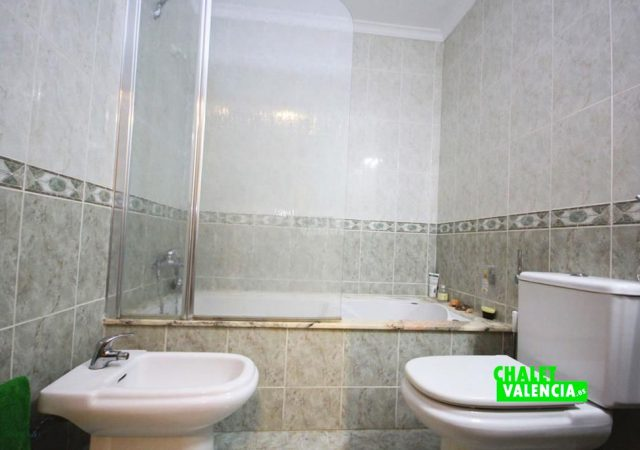 40591-bano-2c-chalet-valencia