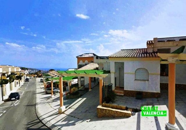 40591-entrada-calle-chalet-valencia