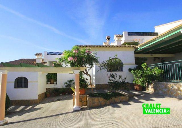 40591-entrada-porche-chalet-valencia