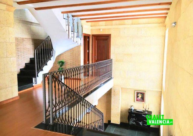 40629-escaleras-distribuidor-chalet-valencia