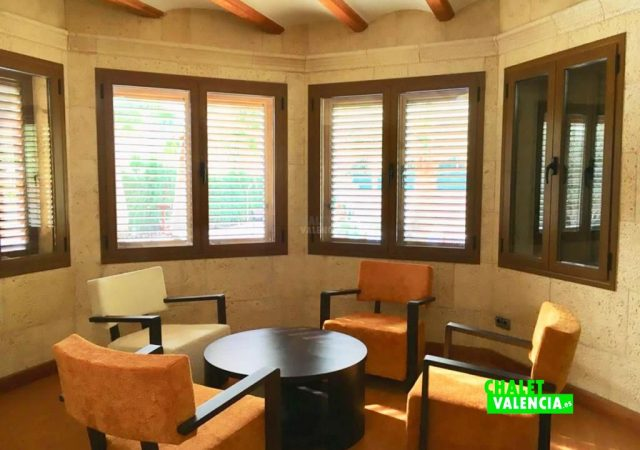 40629-sala-vistas-jardin-chalet-valencia