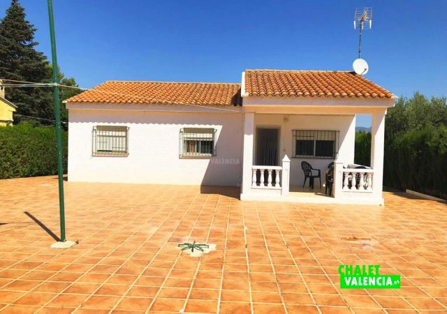 40704-fachada-terraza-chalet-valencia