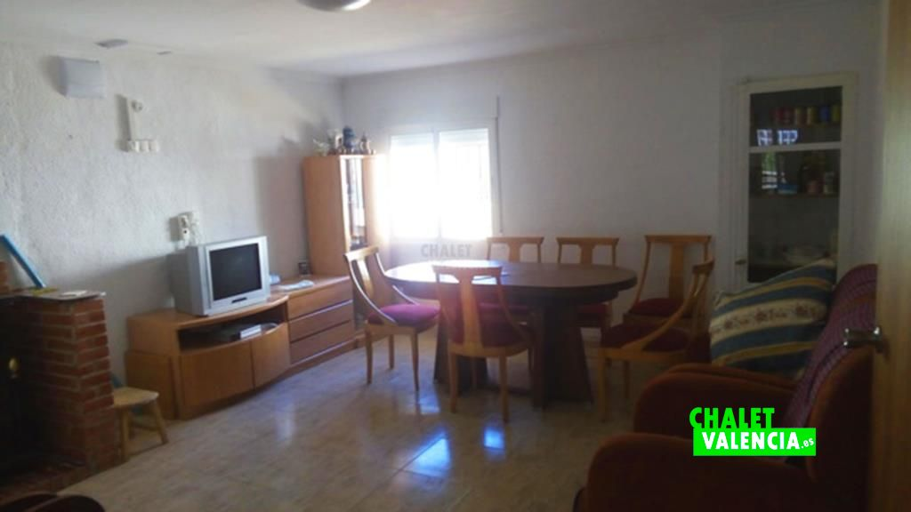 41089-salon-tv-chalet-valencia