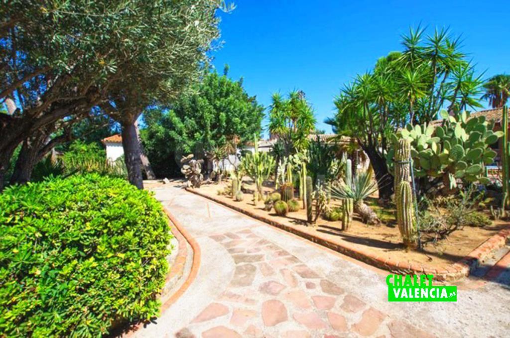 41282-jardin-chalet-valencia
