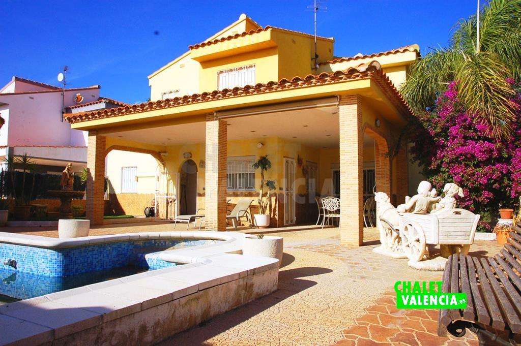 Chalet con piscina privada La Reva Ribarroja