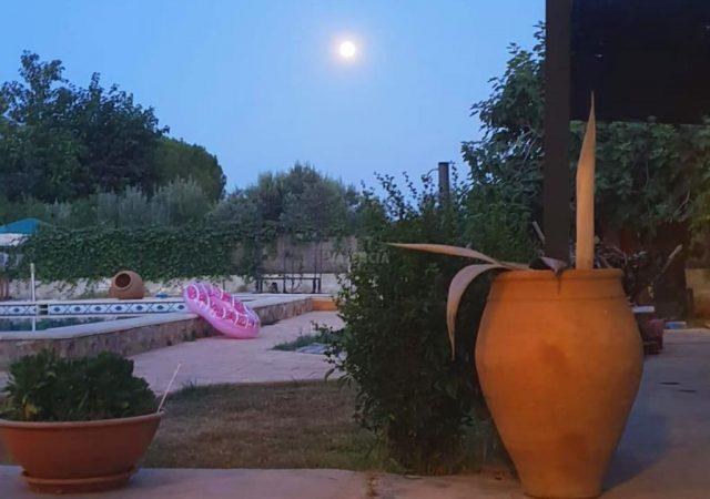 41722-exterior-noche-chalet-valencia-pobla-vallbona