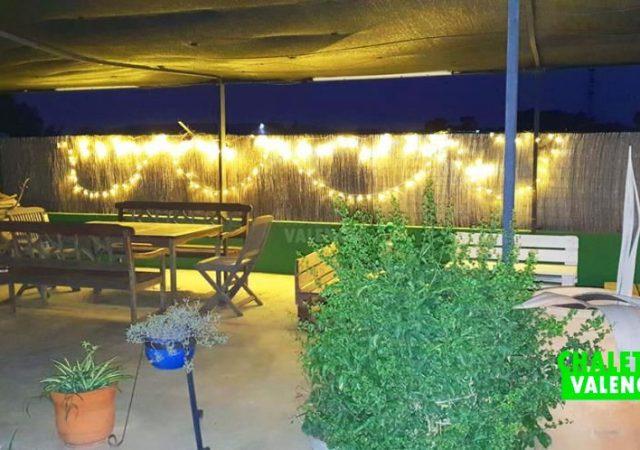 41722-exterior-noche-luces-chalet-valencia-pobla-vallbona