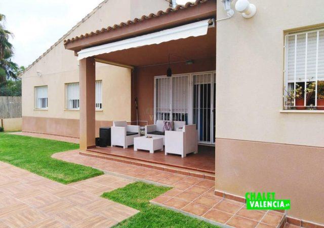 41765-exterior-terraza-piscina-lliria-chalet-valencia