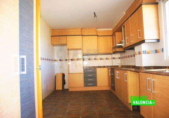 41808-2300-chalet-valencia