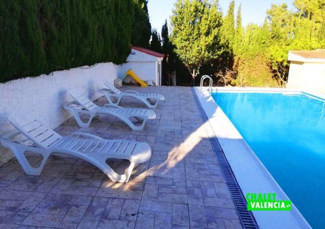 42187-e-piscina-solarium-turis-chalet-valencia