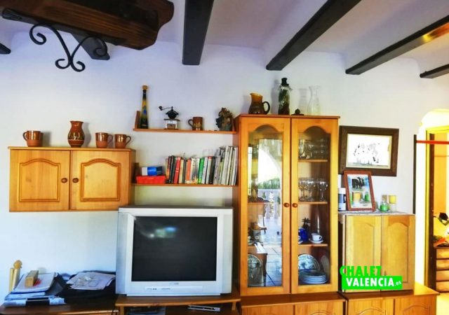 42187-salon-tv-turis-chalet-valencia