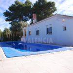 Villa with modern pool of 3×12 meters