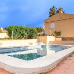 Villa with pool and two-storey house in Turís