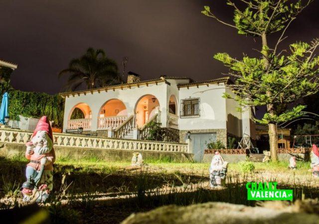 42555-e-jardin-noche-chalet-valencia-turis
