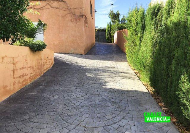 42599-e-acceso-garaje-chalet-valencia