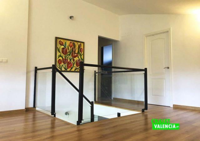 42599-vestibulo-11-chalet-valencia
