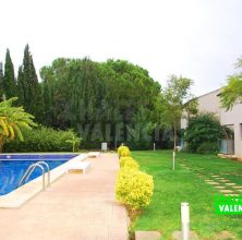 Villa with elevator in El Bosque Chiva golf course