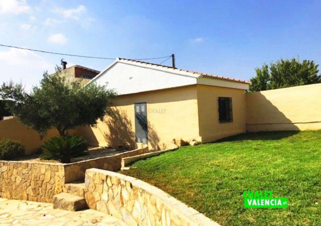 43056-jardin-almacen-chalet-valencia