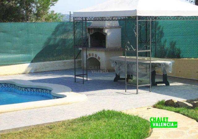 43475–piscina-barbacoa-calicanto-chalet-valencia