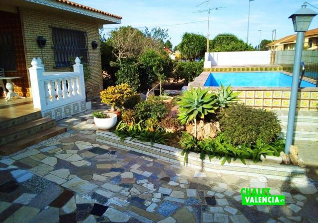 43505-entrada-piscina-2-torrent-chalet-valencia