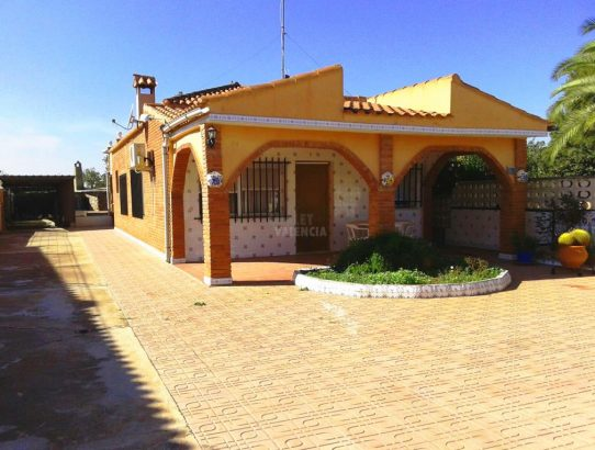 Chalet urbanización Náquera Valencia