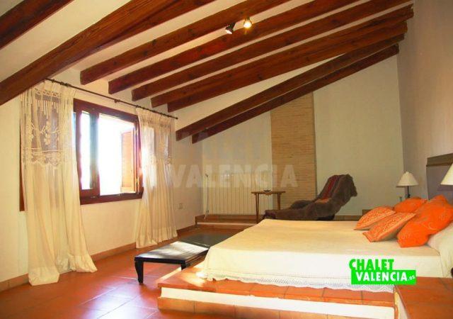 44315-3528-chalet-valencia