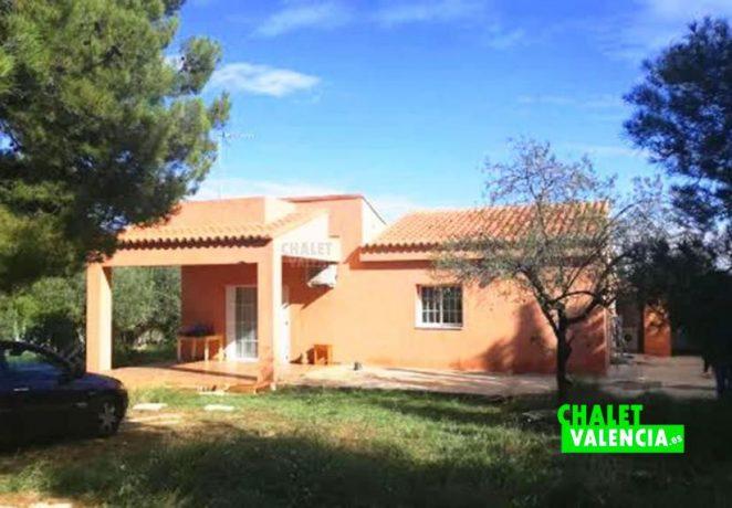 Villa in urbanization 3 km from Chiva