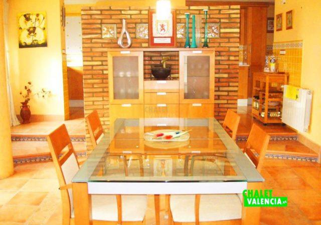 44583-salon-comedor-calicanto-chalet-valencia