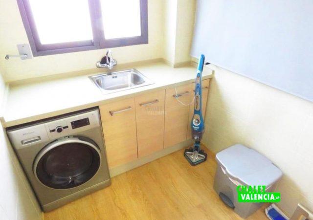 44650-cocina-lavadero-chalet-valencia