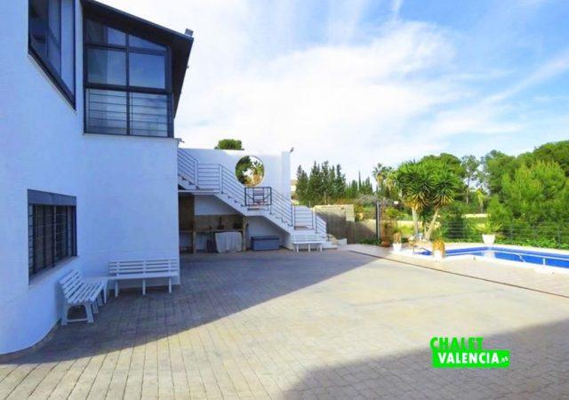 44650-piscina-solarium-chalet-valencia