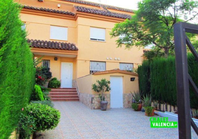 44727-entrada-chalet-valencia
