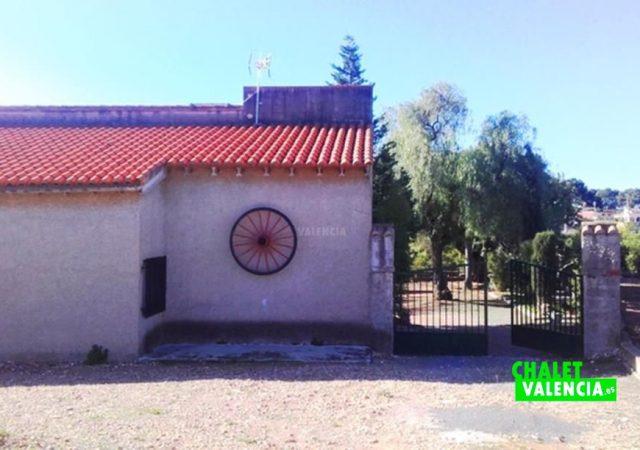 44832-entrada-calle-chalet-valencia