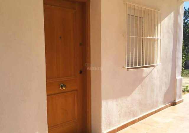 44925-entrada-puerta-casa-chiva-chalet-valencia