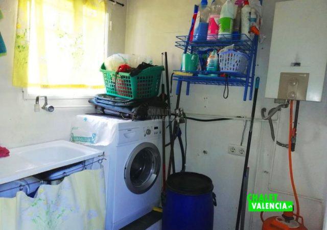 45056-cocina-lavadero-chalet-valencia