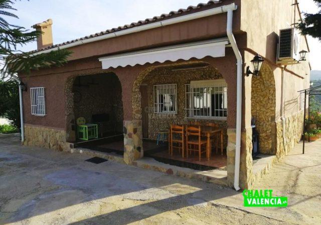 45056-exterior-terraza-chalet-valencia