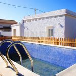 Chalet pequeño con piscina en Montesol la Eliana
