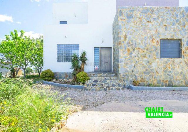 33807-entrada-casa-chiva-chalet-valencia