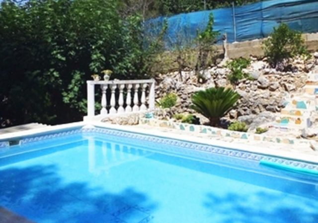 46832-piscina-jardin-chalet-valencia