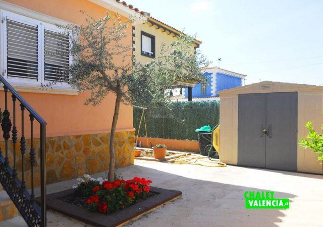 46907-ext-entrada-4-chalet-valencia
