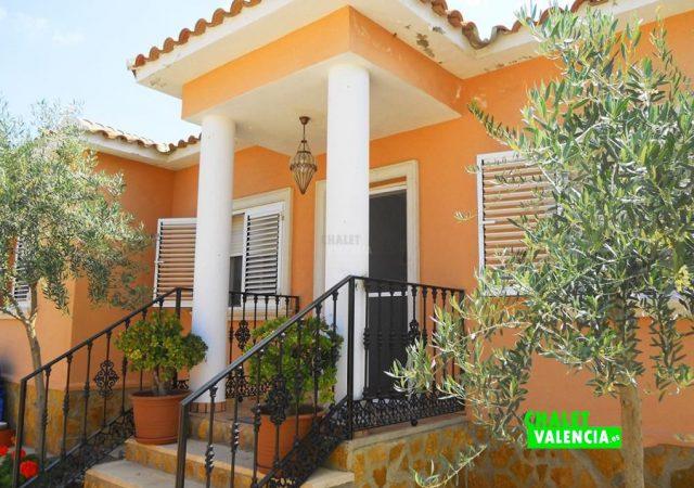 46907-ext-entrada-9-chalet-valencia