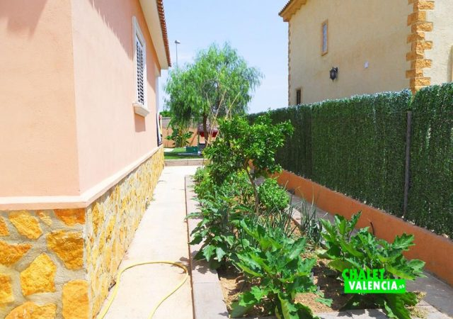 46907-ext-lateral-chalet-valencia