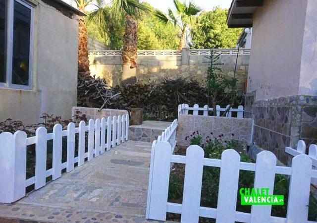 46993-jardin-pasillo-taronchers-chalet-valencia