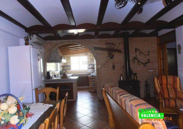 46993-salon-comedor-cocina-taronchers-chalet-valencia