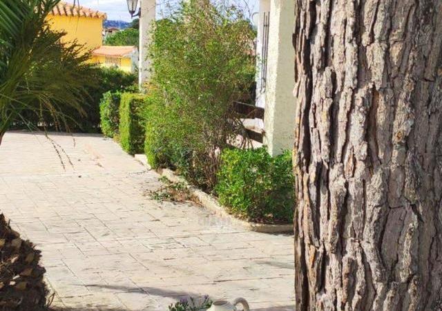 47353-exterior-entrada-chiva-chalet-valencia
